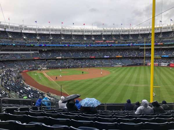 Yankee Stadium, section: 208, row: 11, seat: 15