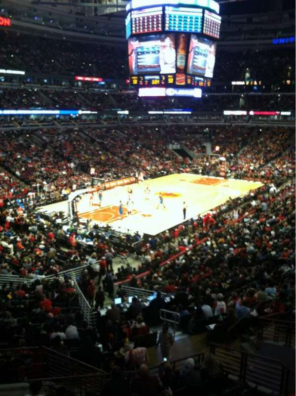 United Center, section: 222, row: 1, seat: 10