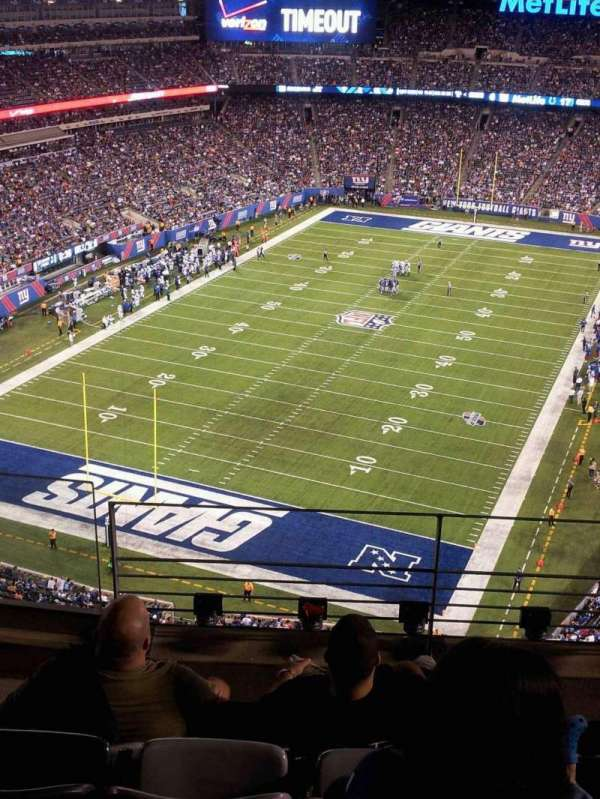 MetLife Stadium, section: 324, row: 8, seat: 6