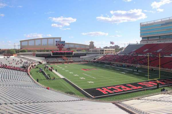 Jones AT&T Stadium, section: 113, row: 16, seat: 16