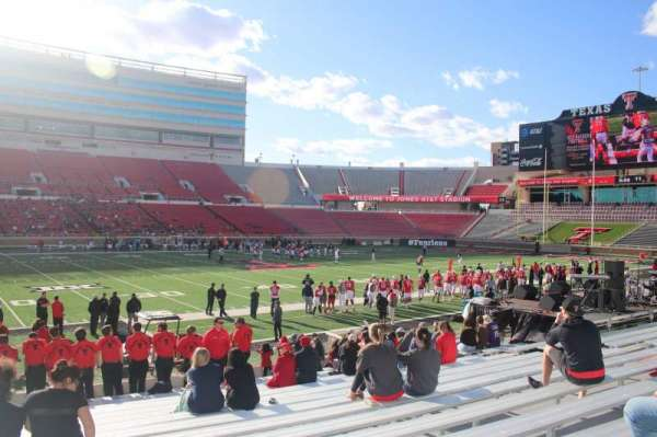 Jones AT&T Stadium, section: 21, row: 16, seat: 15