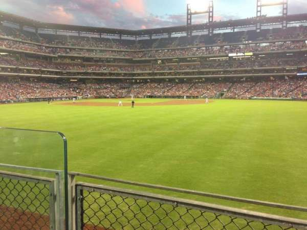 Citizens Bank Park, section: 101, row: 2, seat: 11