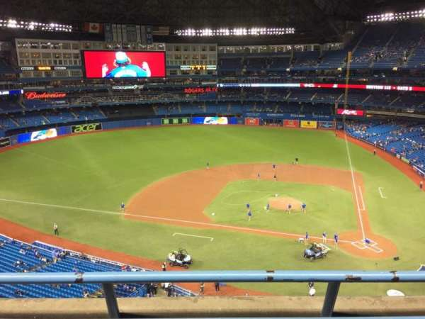 Rogers Centre, section: 528R, row: 2, seat: 9