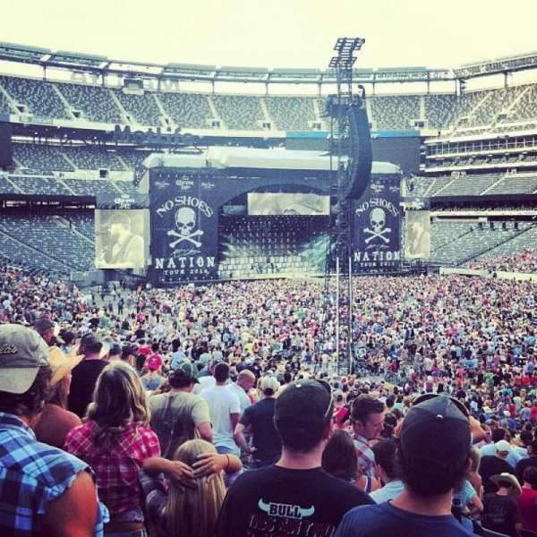 MetLife Stadium, section: 133, row: 34, seat: 9-10
