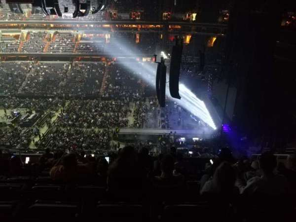 Capital One Arena, section: 419, row: L, seat: 10