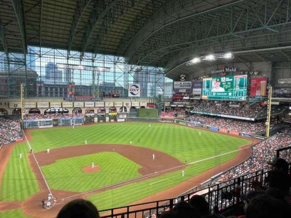 Minute Maid Park, section: 322, row: 3, seat: 7
