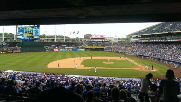 Kauffman Stadium, section: 221, row: KK, seat: 25