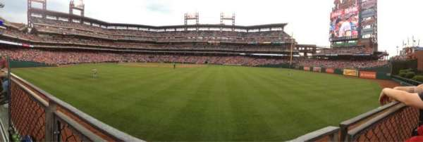 Citizens Bank Park, section: 102, row: 1, seat: 18