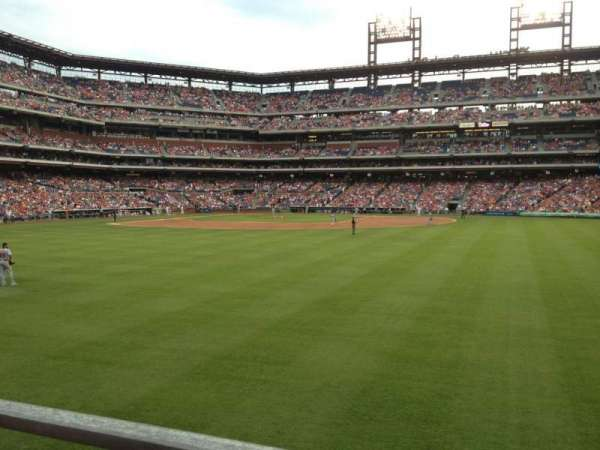 Citizens Bank Park, section: 102, row: 1, seat: 17