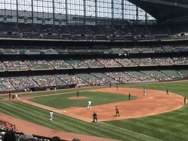 Miller Park, section: 209, row: 5, seat: 17