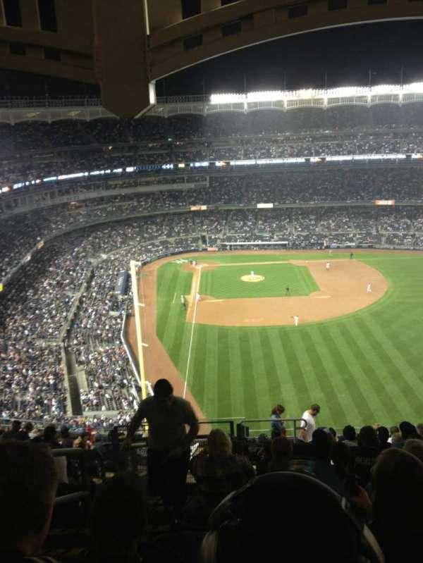 Yankee Stadium, section: 406, row: 10, seat: 22