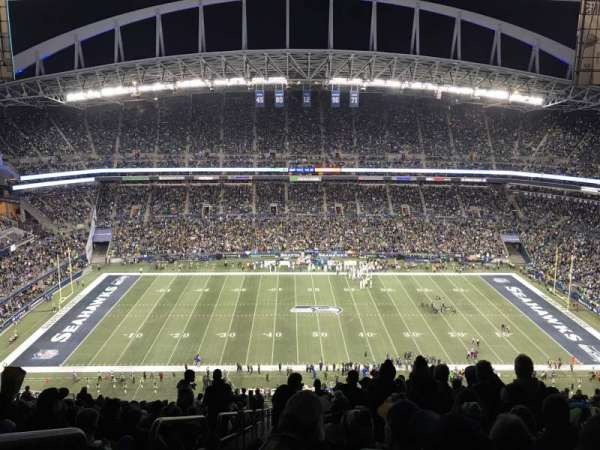 CenturyLink Field, section: 335, row: HH, seat: 27