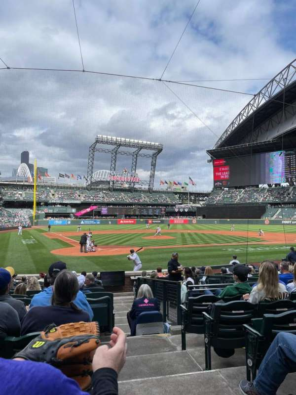 T-Mobile Park, section: 127, row: 14, seat: 1