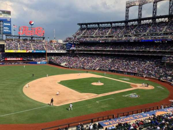 Citi Field, section: 329, row: 1, seat: 10