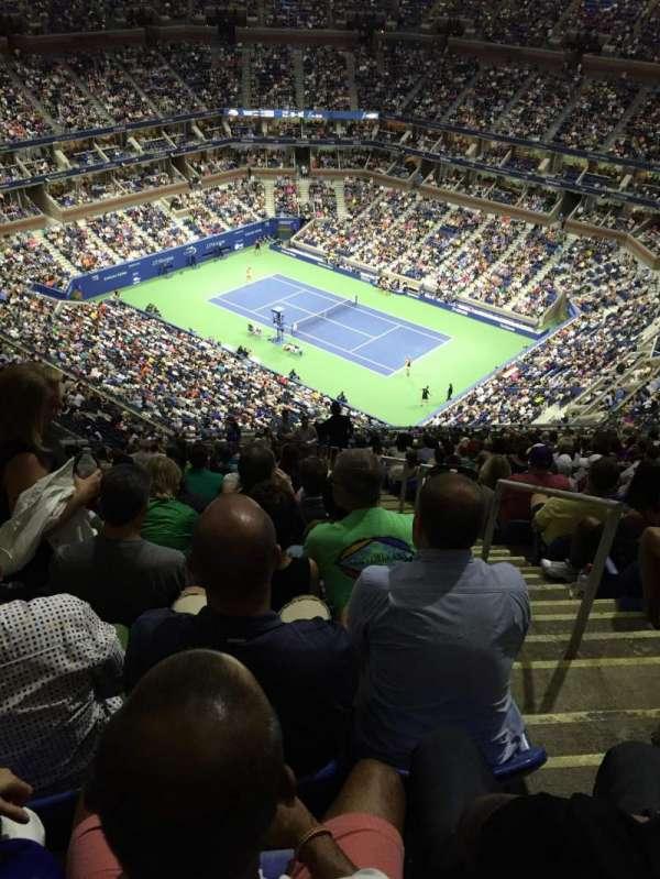 Arthur Ashe Stadium, section: 335, row: Y, seat: 18