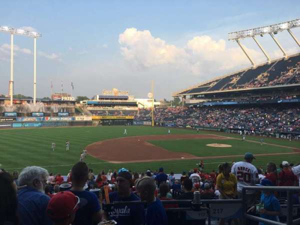 Kauffman Stadium, section: 217, row: DD, seat: 9