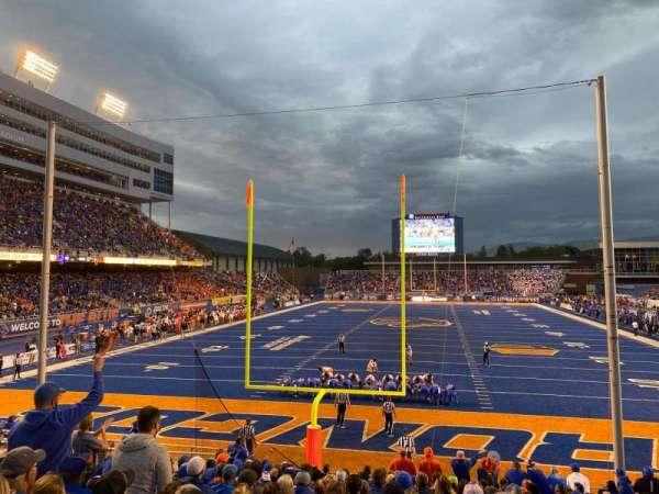 Albertsons Stadium, section: 33, row: R, seat: 9
