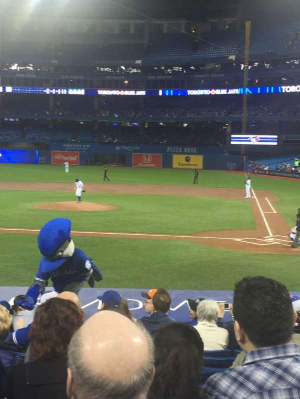 Rogers Centre, section: 124L, row: 18, seat: 109