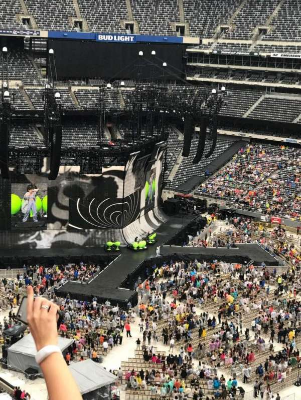 MetLife Stadium, section: 334, row: 5, seat: 13