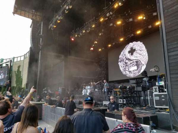 Fiddler's Green Amphitheatre, section: 101, row: CCC, seat: 106