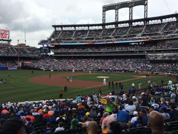 Citi Field, section: 126, row: 26, seat: 14