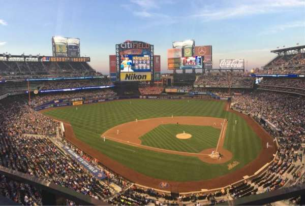 Citi Field, section: 418, row: 1, seat: 8