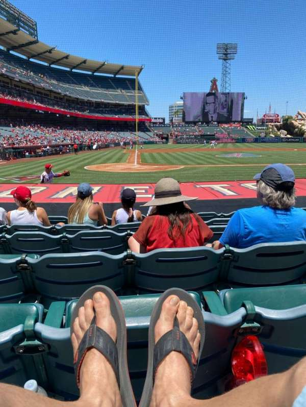 Angel Stadium, section: 122, row: H, seat: 5