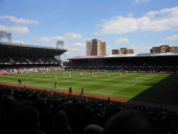 Boleyn Ground, section: Block AL4, row: CC, seat: 74