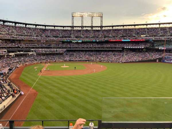 Citi Field, section: 303, row: 3, seat: 20