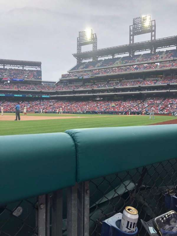Citizens Bank Park, section: 134, row: 1, seat: 9