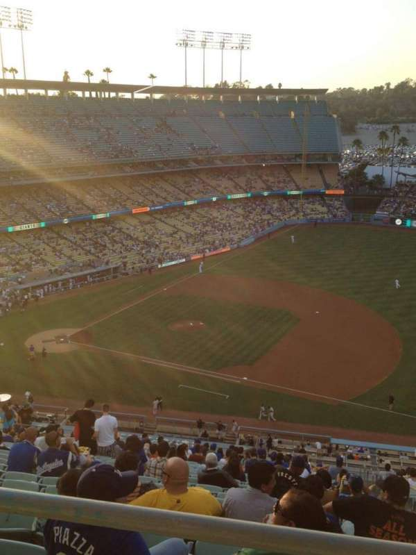 Dodger Stadium, section: 22RS, row: BB, seat: 9
