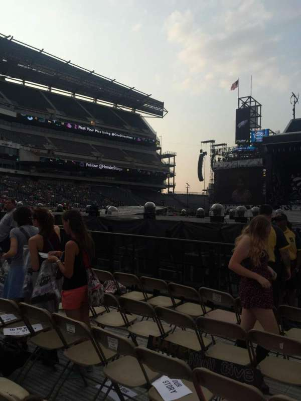 Lincoln Financial Field, section: F10, row: 35, seat: 17