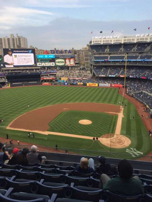 Yankee Stadium, section: 322, row: 7, seat: 12