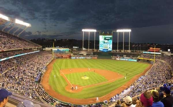 Kauffman Stadium, section: 423, row: 6, seat: 6