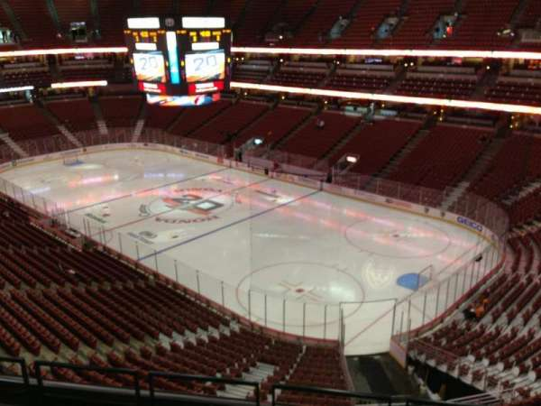 Honda Center, section: 428, row: E, seat: 3