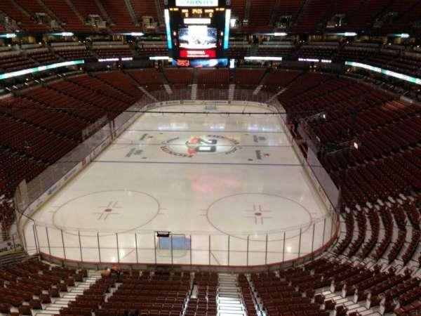Honda Center, section: 422, row: B, seat: 3