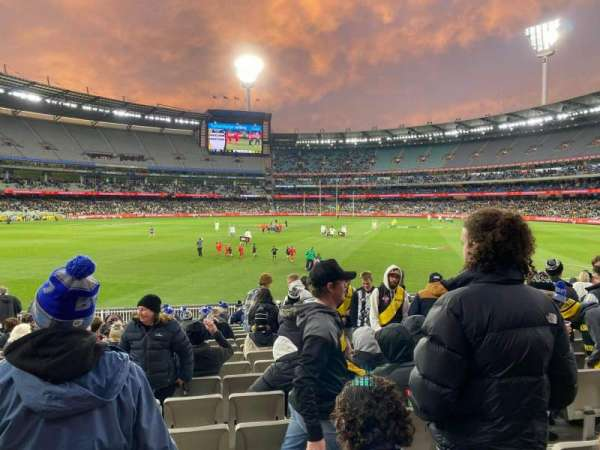 Melbourne Cricket Ground, section: M30, row: T, seat: 6
