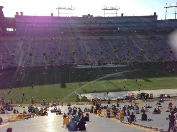 Lambeau Field, section: 423, row: 1, seat: 10