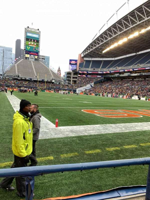 CenturyLink Field, section: 125, row: B, seat: 10