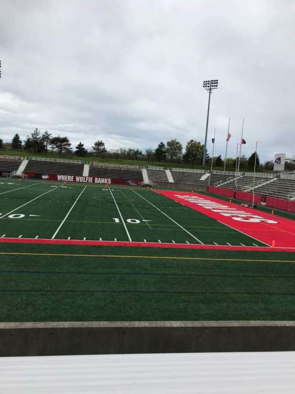 Kenneth P. LaValle Stadium, section: 101, row: H, seat: 26