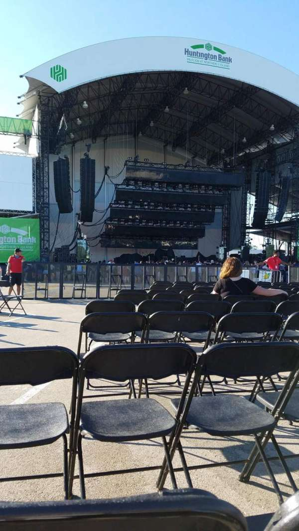Huntington Bank Pavilion at Northerly Island, section: 205, row: L, seat: 20