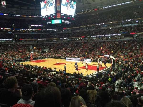 United Center, section: 109, row: 17, seat: 9