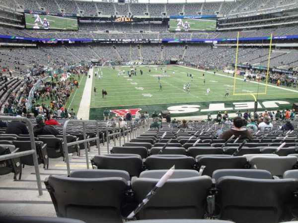 MetLife Stadium, section: 128, row: 31, seat: 30