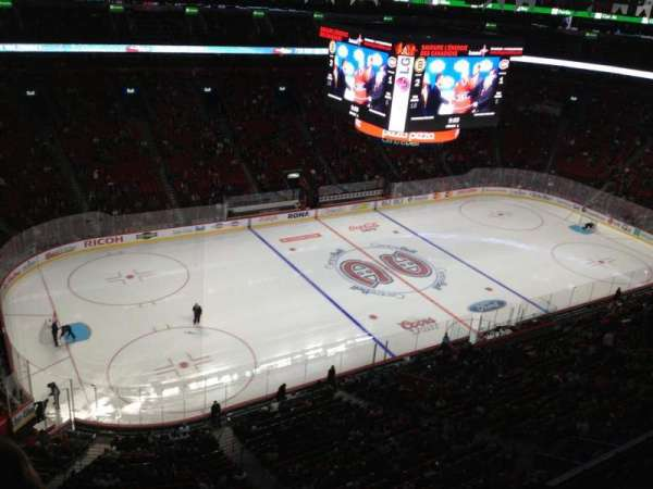 Centre Bell, section: 323, row: Bb, seat: 1