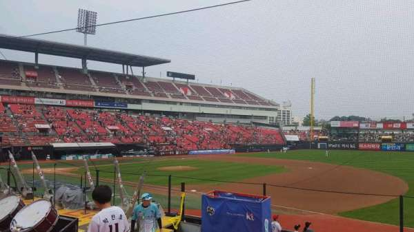 KT Wiz Park, section: 108, row: 10, seat: 113