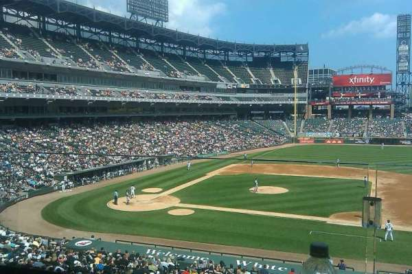 Guaranteed Rate Field, section: 220, seat: 3