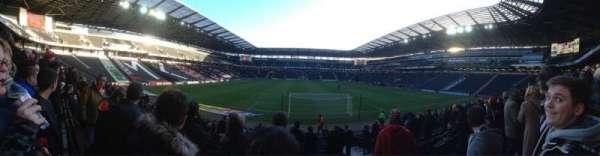 Stadium:mk, section: 32, row: R, seat: 917