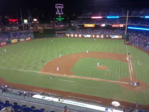 Citizens Bank Park, section: 325, row: 6, seat: 1