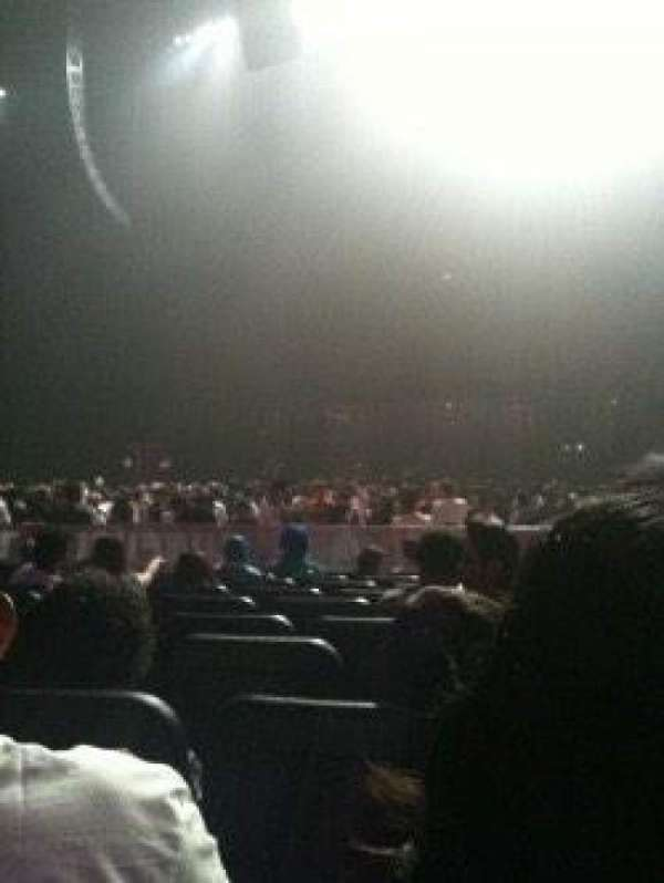 Microsoft Theater, section: Orchestra Center Right, row: T, seat: 208