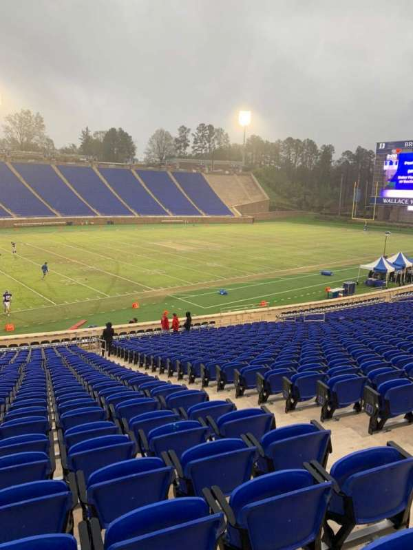 Wallace Wade Stadium, section: 23, row: V, seat: 9